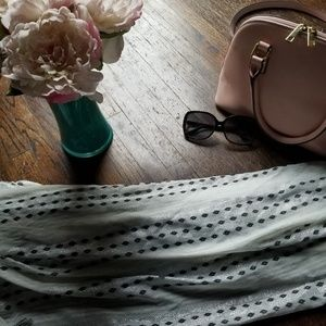 Accessories - Oversized scarf
